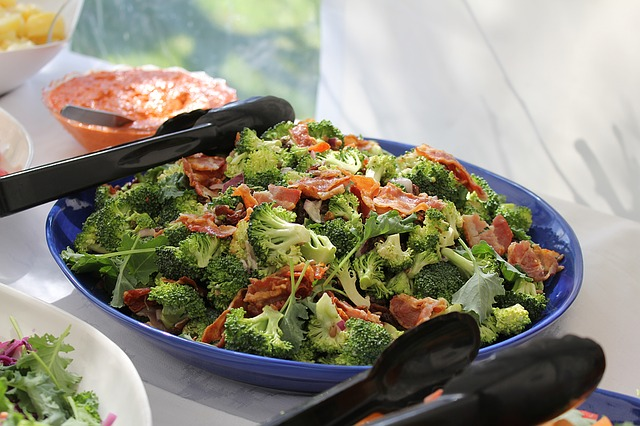 How to make a salad with broccoli
